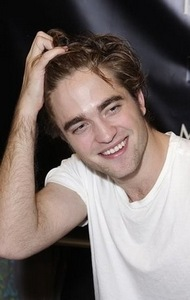 Hand gestures – Rob Pattinson running his fingers through his hair